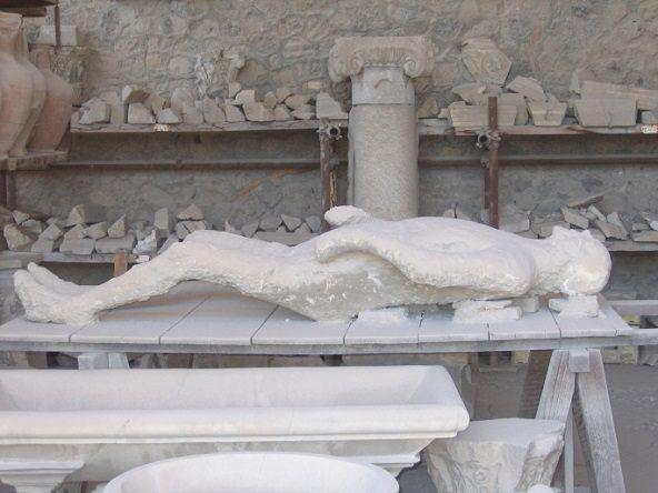 Ciudadano sepultado en Pompeya por la lava