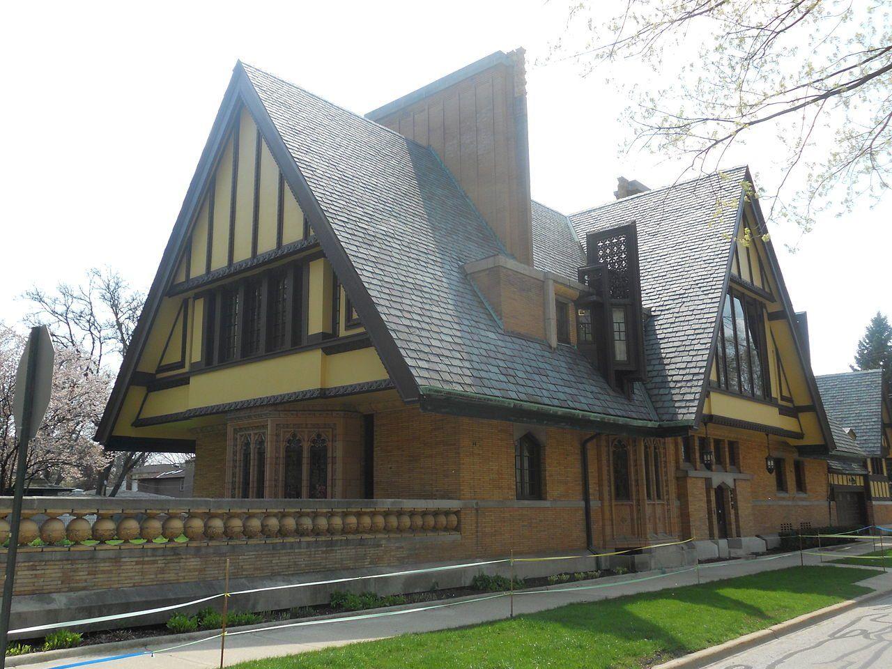 Casa Nathan G. Moore (1895)