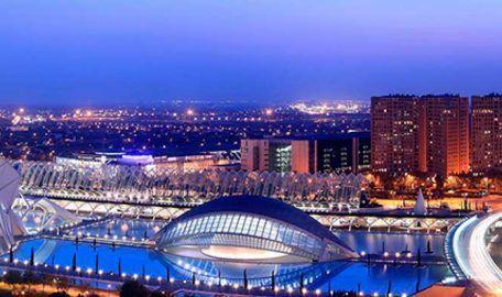 Valencia acorta sus plazos de venta de vivienda y aumenta precios y actividad